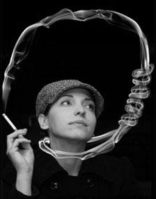 Un tabacologue vous aide à arrêter le tabac à Bordeaux par l'hypnose.